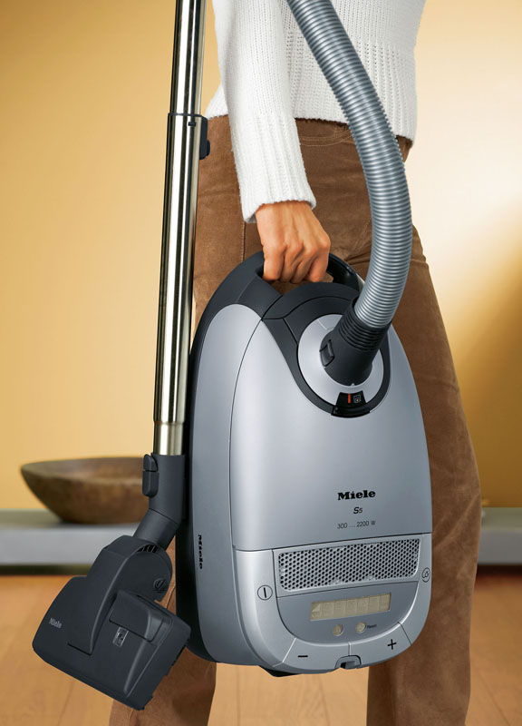 Lovely Miele_Vacuums_S5_Easy_Handling