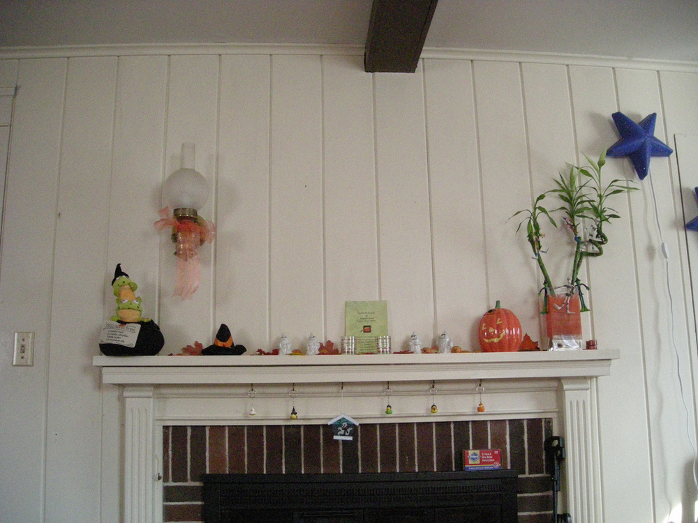 Small Halloween Decorations Halloween-decorations-on