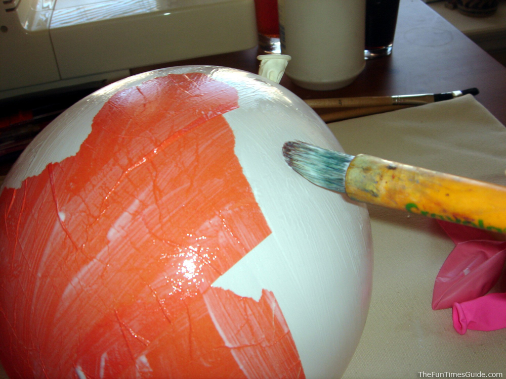 Easy halloween crafts decorations make paper mache for Paper mache craft ideas