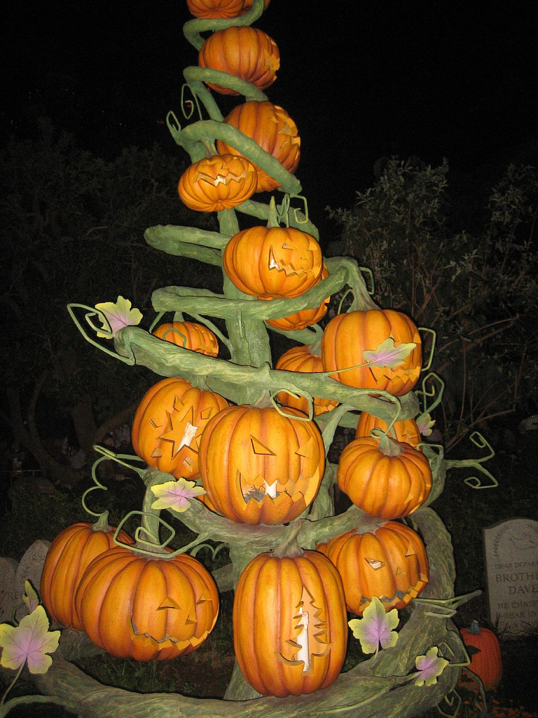 Halloween tree ornaments - Pumpkin Tree By Gamerscoreblog Jpg