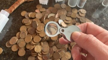 What's the best coin magnifier? Here are my two cents...