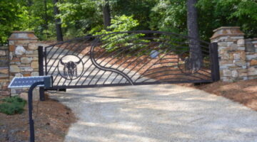 A custom driveway gate is a great way to welcome you and your guests to your home and property.
