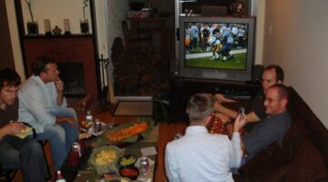 9 Tips For Throwing The Best Superbowl Parties