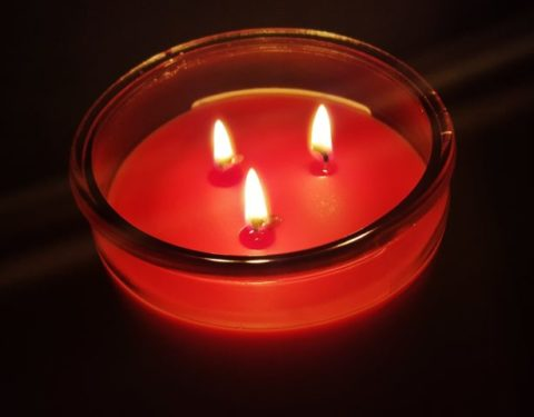 Triple wick candles and double wick candles are both long lasting candles.