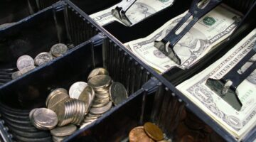 Garage Sale Cash, Change & Money Issues: How To Stay Organized & Deal With Loose Change